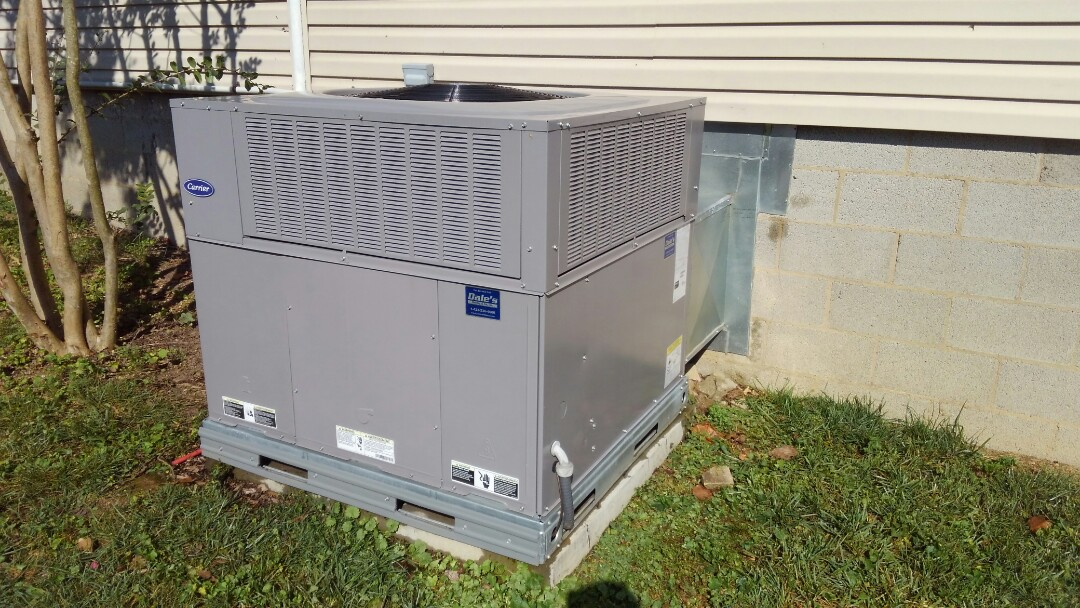 Chattanooga, TN - AC maintenance, tune up on Carrier heat pump.