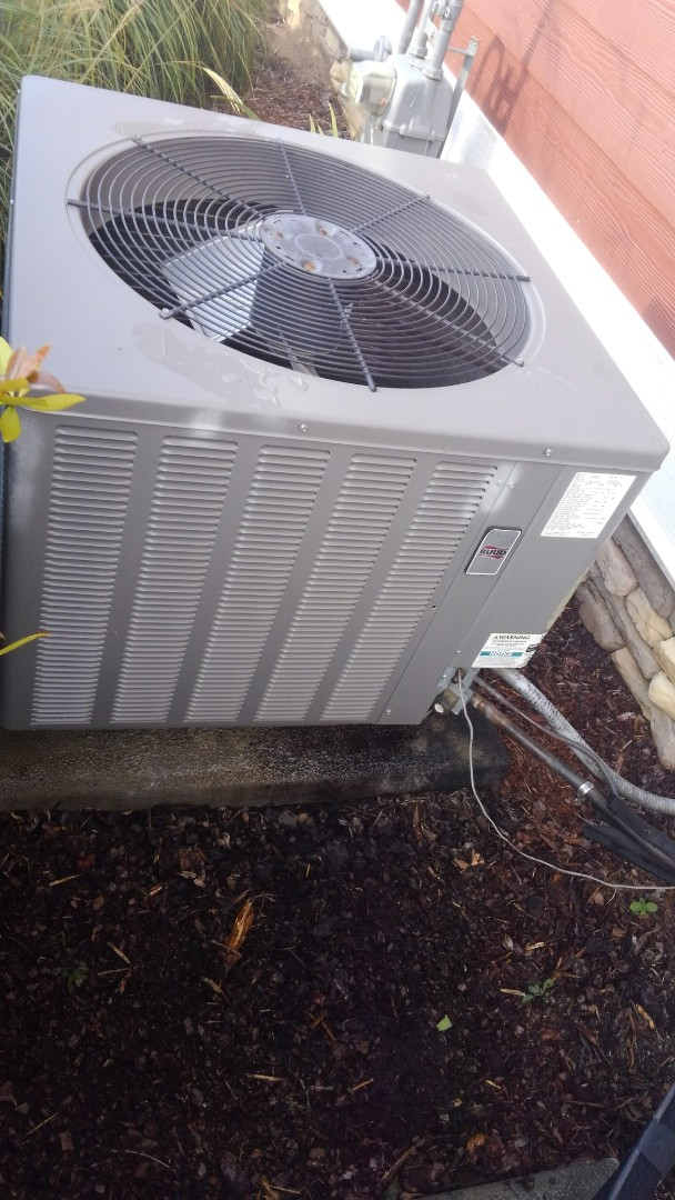 Ooltewah, TN - HVAC maintenance, Ruud gas furnace and air conditioner tune up.