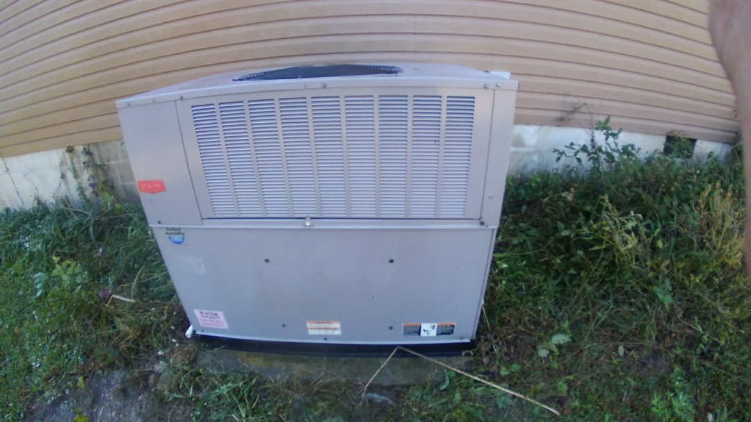 Ooltewah, TN - Ac maintenance, Carrier heat pump air conditioner tune up.