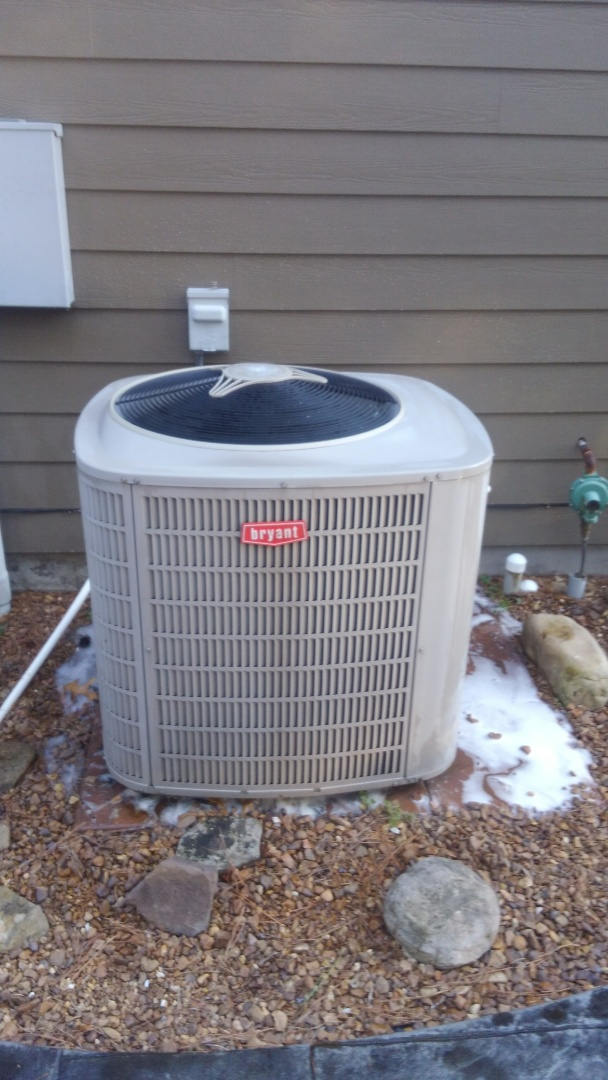 Cleveland, TN - Ac maintenance, Bryant heat pump and air conditioner tune up.