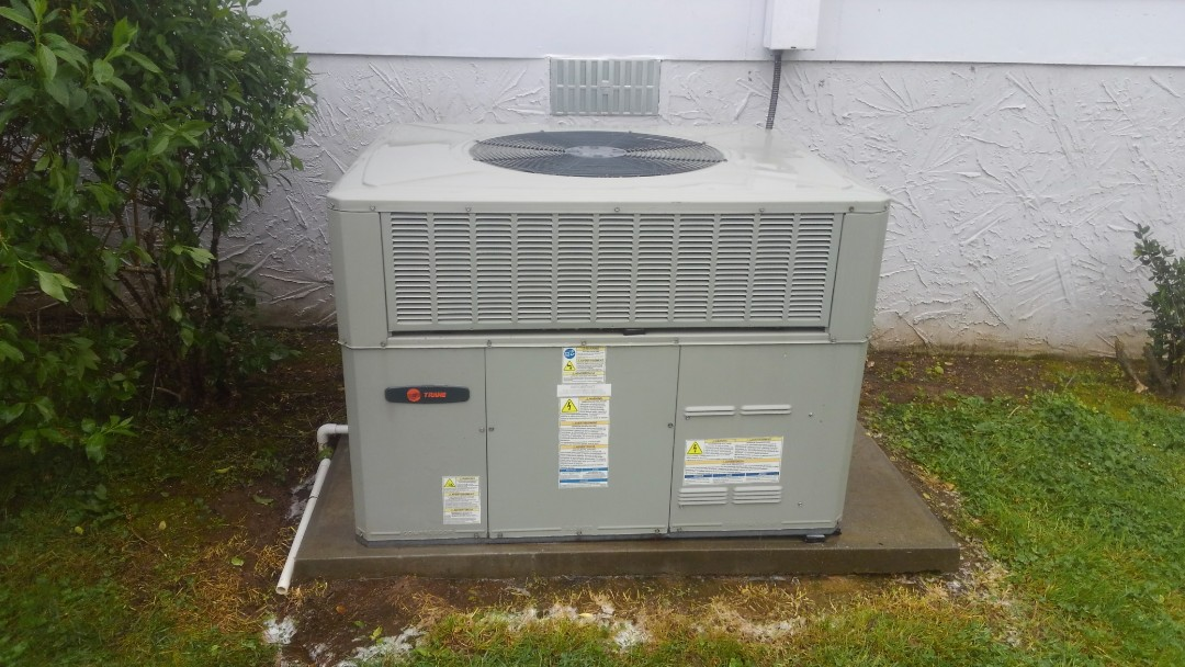 Collegedale, TN - AC maintenance, Trane heat pump and air conditioner tune up.