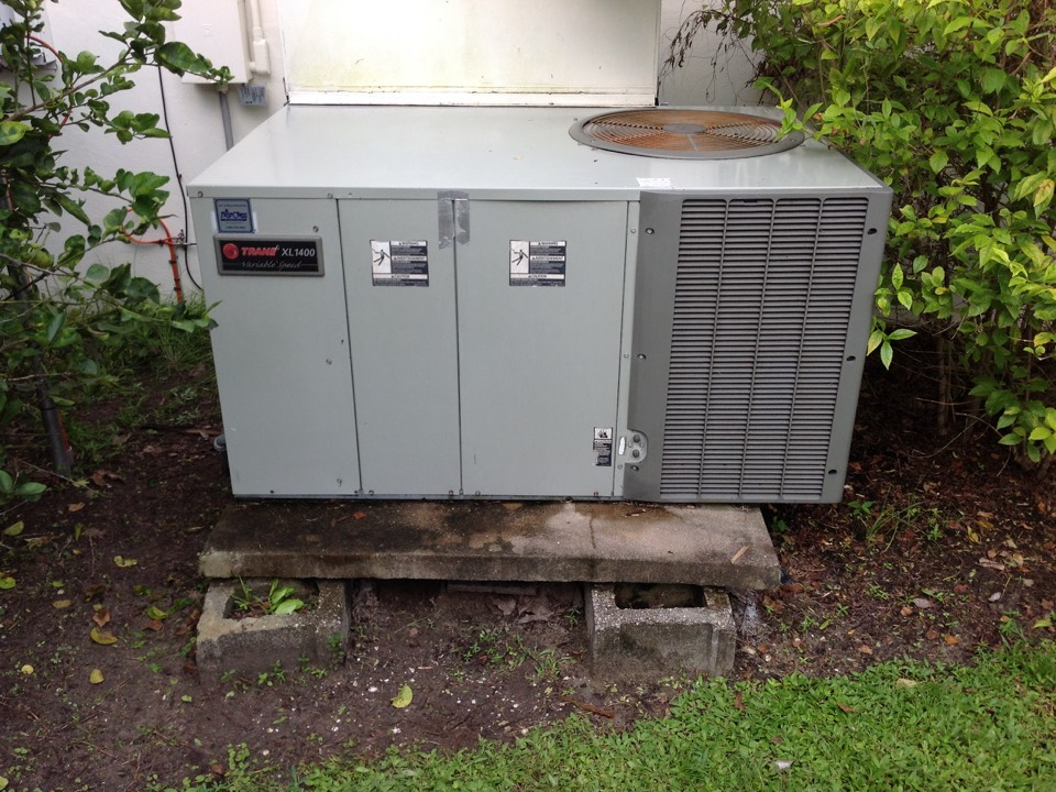 Bokeelia, FL - Performing a tune up on a Trane package unit