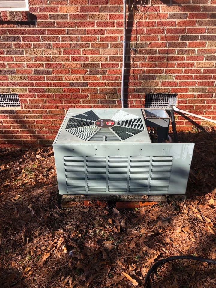 A/c service and repair in Montgomery, AL.  Smith AC performs AC installations, Heat pump replacements, and AC service.
