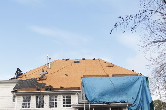 Apex, NC - 2 day job for this complete roof replacement with GAF Timberline in Charcoal