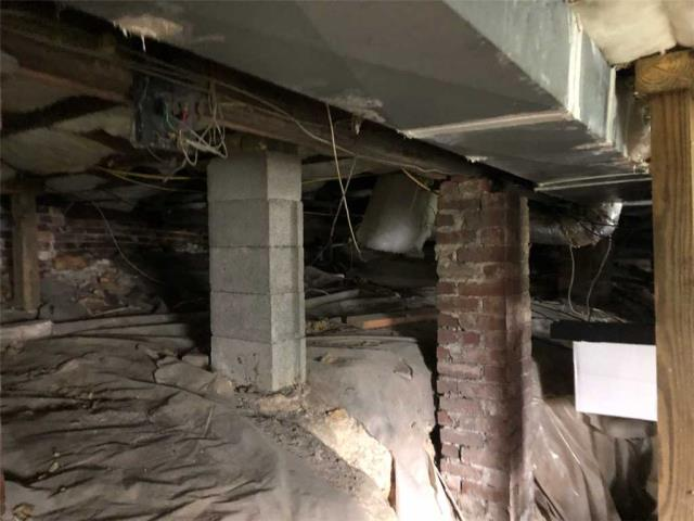 Chattanooga, TN - Doing an inspection for Crawl Space Drainage and Encapsulation in Chattanooga Tn.