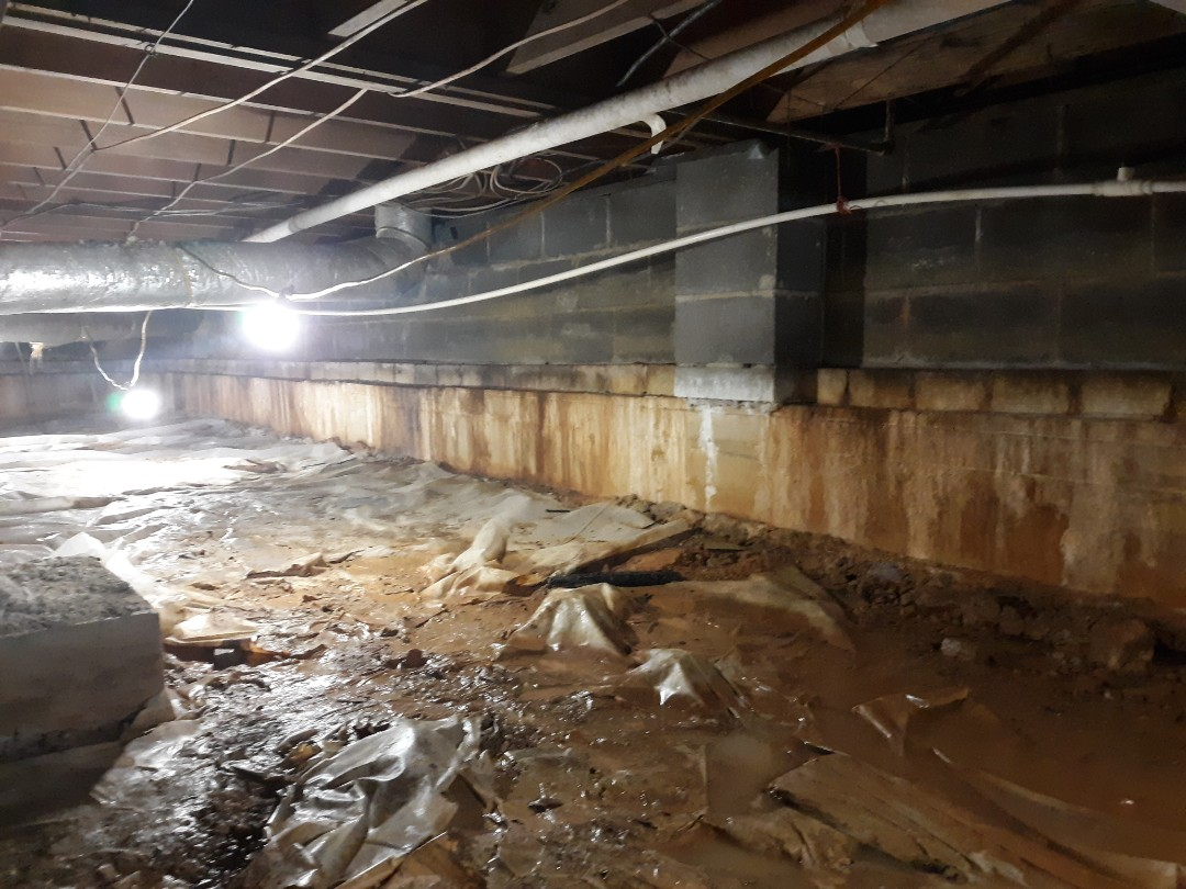 Anniston, AL - Leaking,Musty,Moldy Crawlspace with Encapsulation