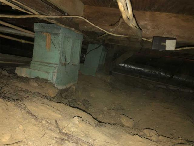 Tallapoosa, GA - Inspection in crawlspace
