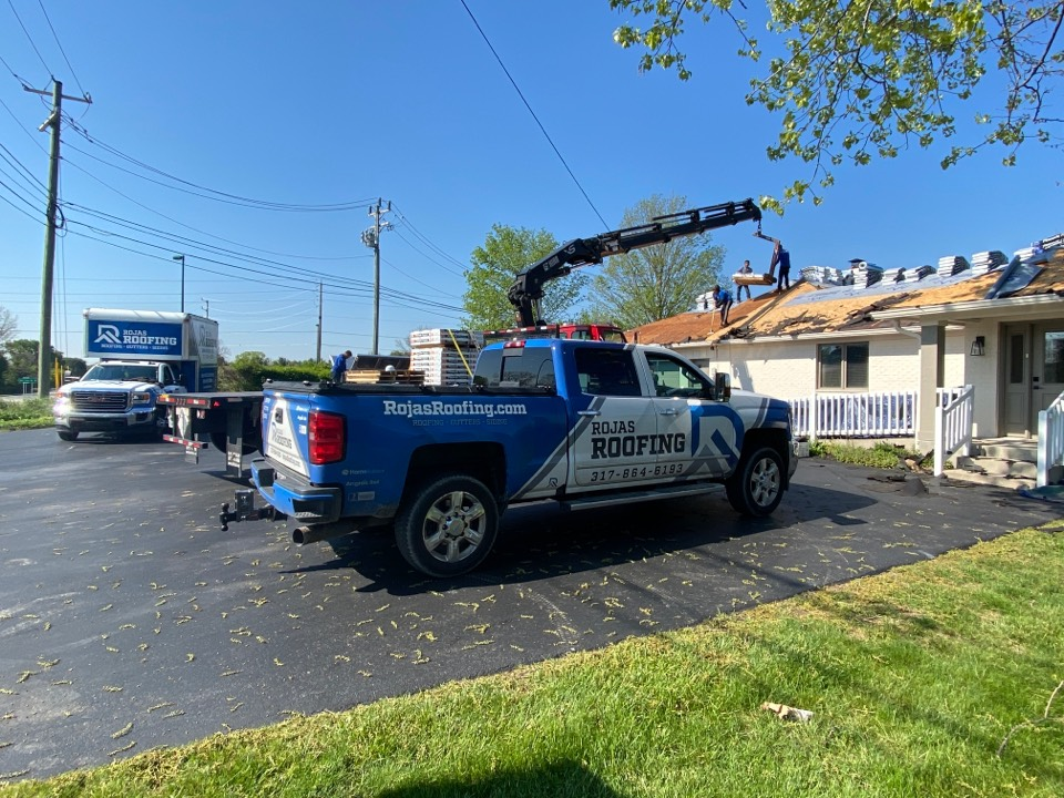 Fishers, IN - Supervising a roof install
