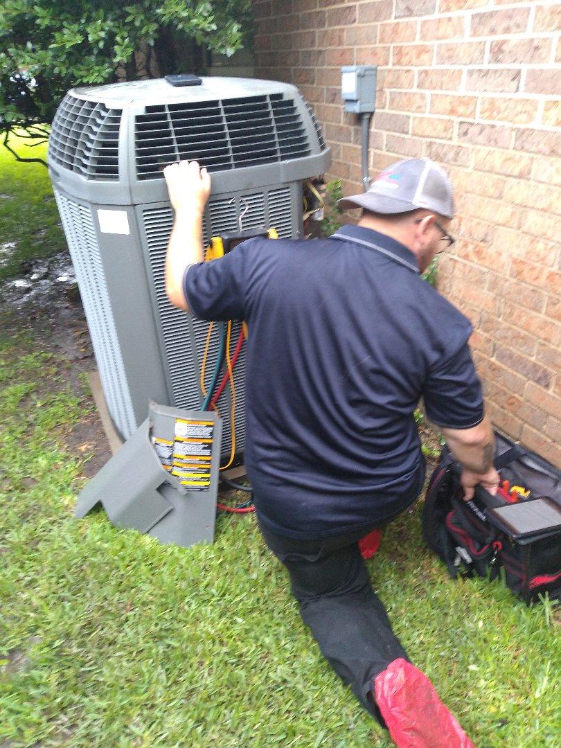 Doing an HVAC maintenance in Plano