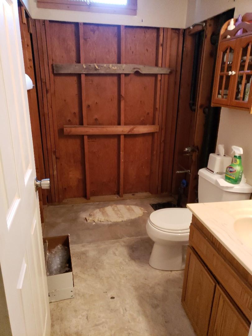 San Diego, CA - Estimate to install new bath tub and vanity