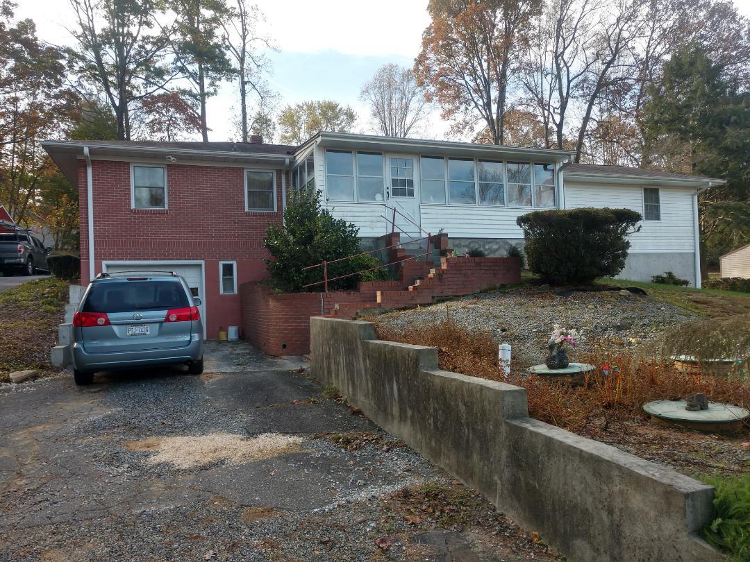 Hendersonville, NC - A new GAF roof estimate