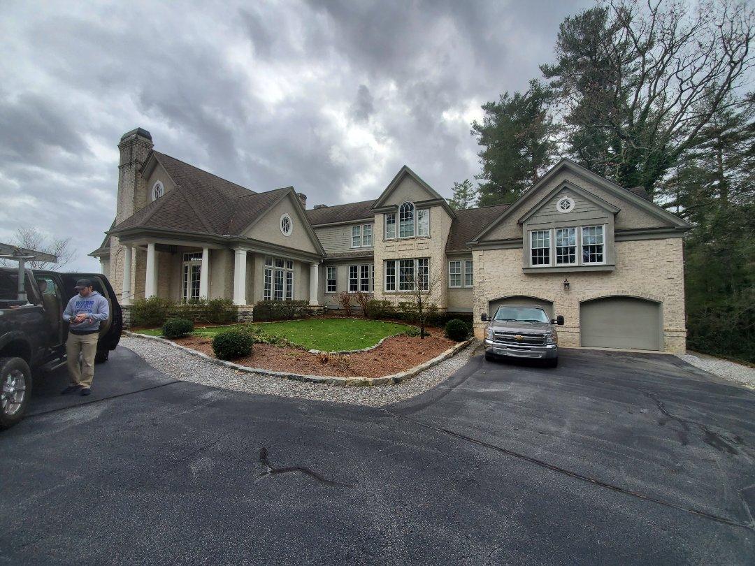 Hendersonville, NC - Roof estimate,  flat roof estimate,  GAF master elite,  Golden Pledge warranty.