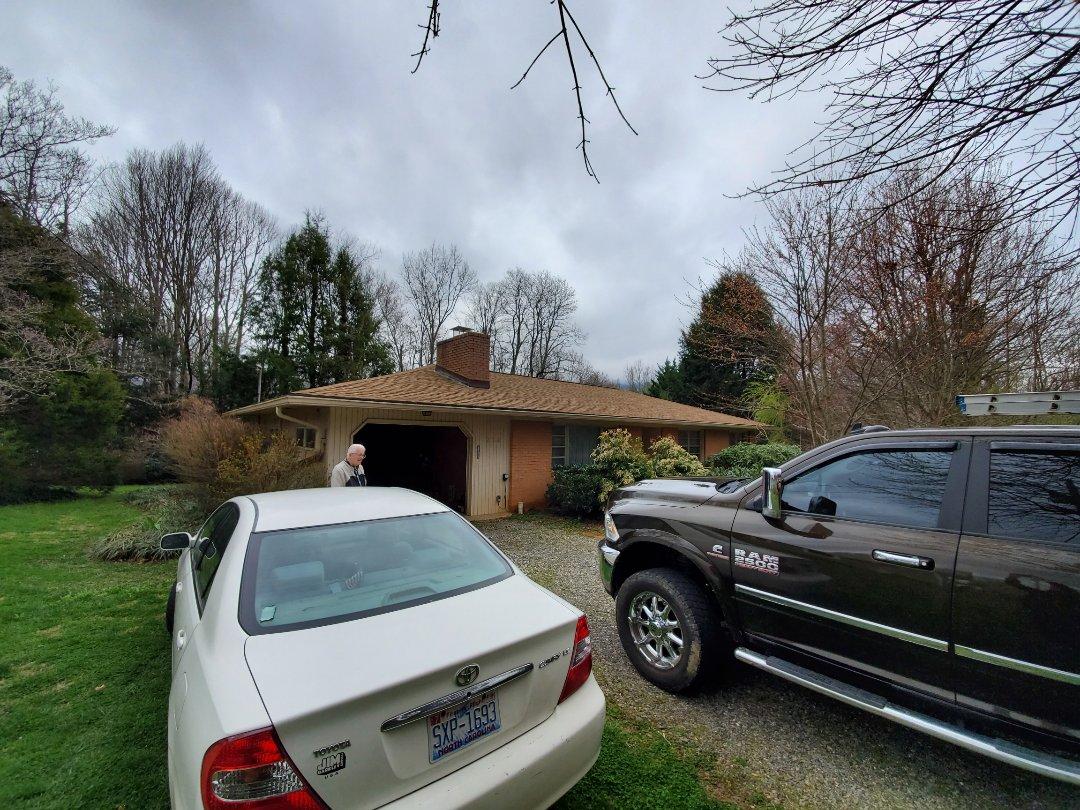 Swannanoa, NC - Independent Roofer. Chimney leak,  skylight leak,  chimney repair, roof repair.