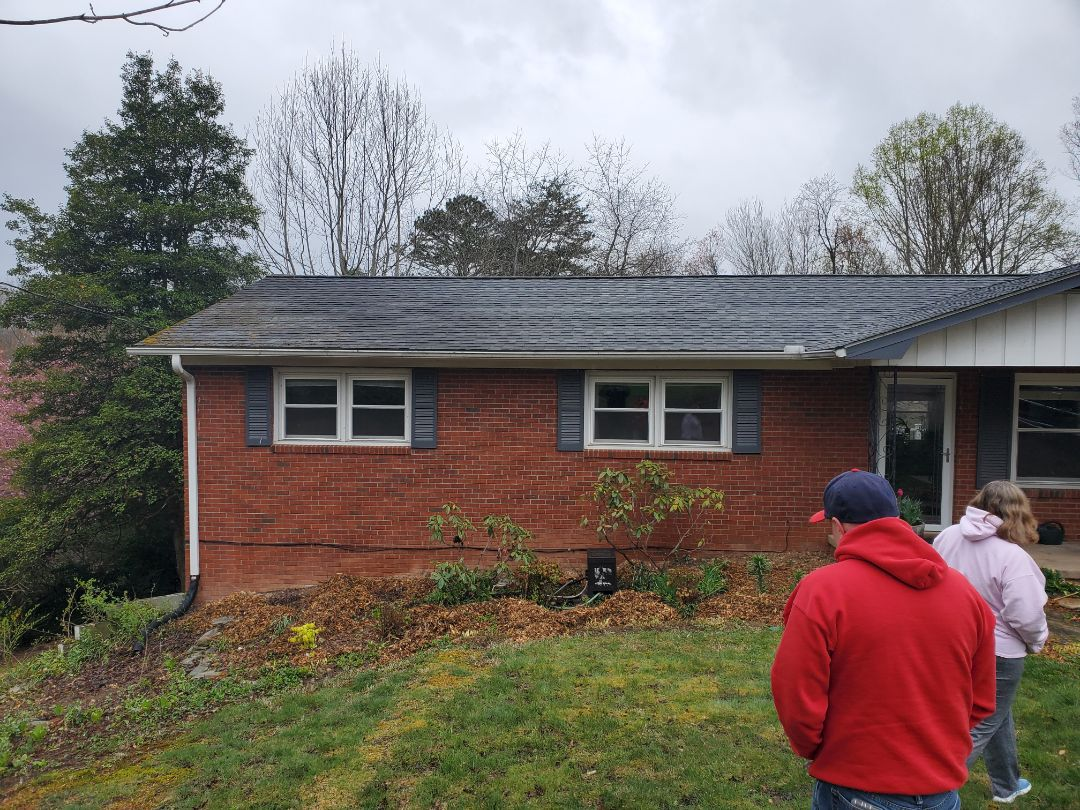 Asheville, NC - Gutter repair,  independent roofer,  paint estimate