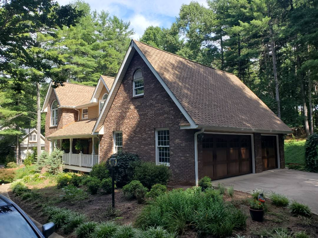 Arden, NC - New GAF Grand Sequoia Roof!