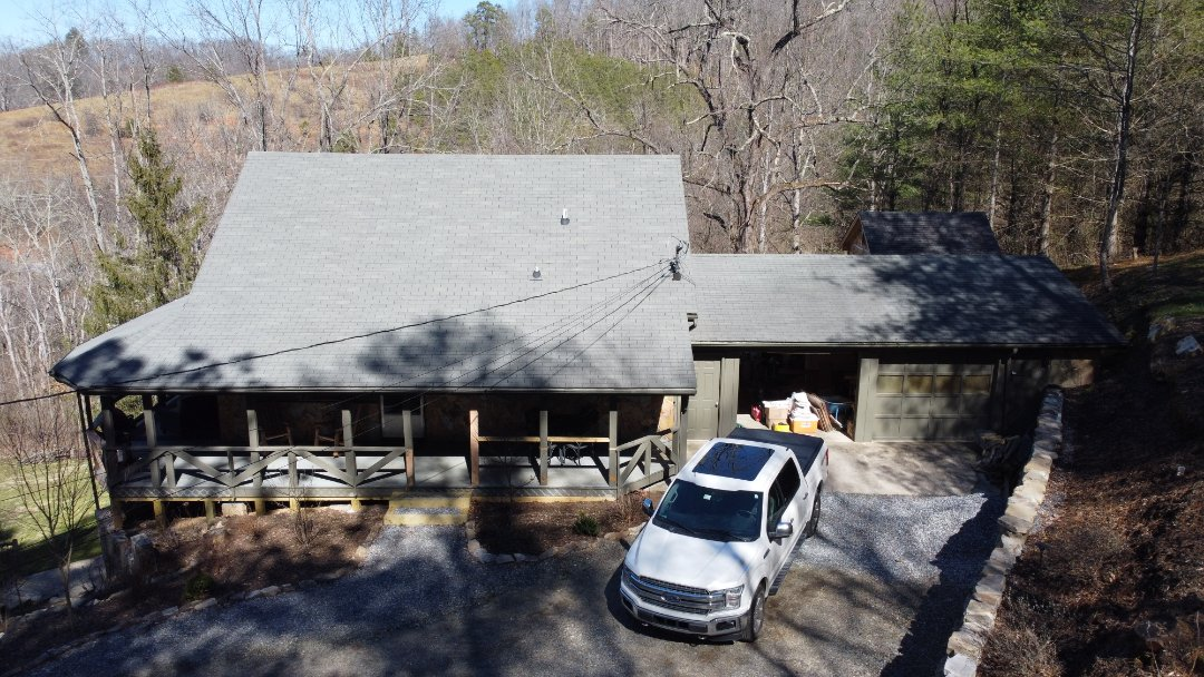 Waynesville, NC - Roof replacement estimate, GAF master elite roofing contractor. Independent construction services.  Roofing.  Siding. Gutters.