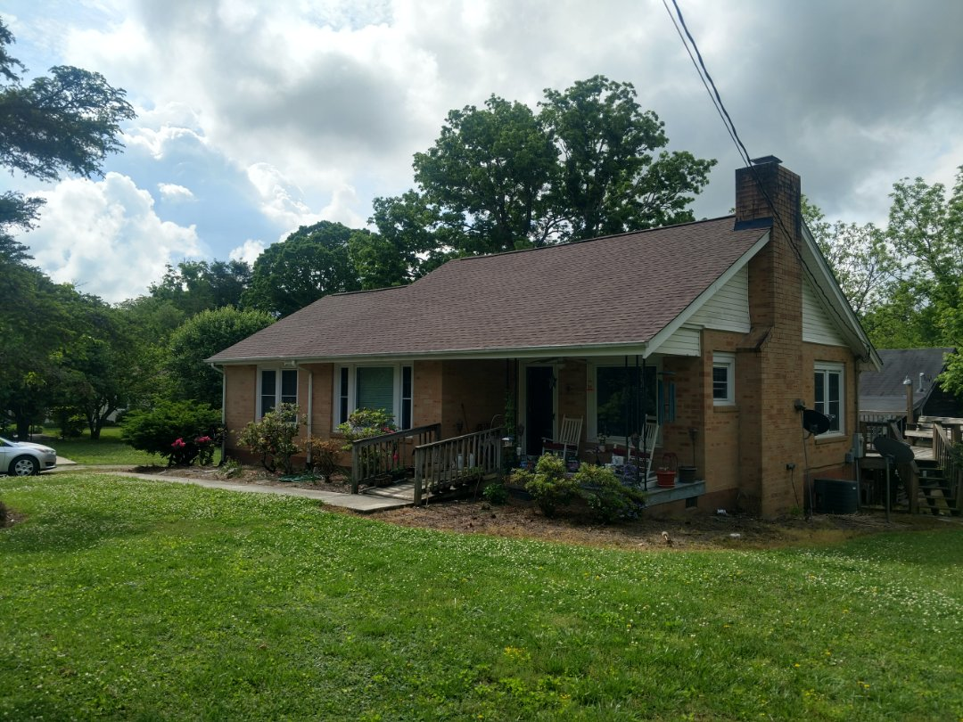 Arden, NC - Another beautiful GAF today featuring Timberline's Barkwood HD.#independentconstruction#Ashevilleroofingcontractor#GAFtimberlineHDbarkwood