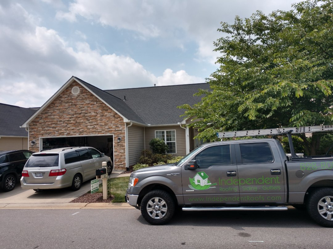 Arden, NC - A beautiful new GAF roof installed, this one is from their NaturalShadow selection- Charcoal black.#ardenroofer#GAFroof#ashevilleroofer#ashevilleroofrepair
