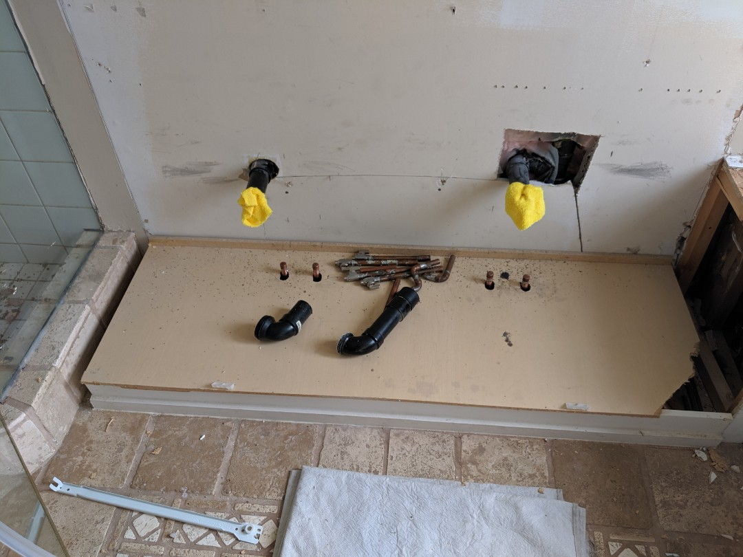 Old Toronto, ON - Remove and cap plumbing fixtures