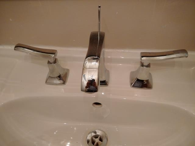 Old Toronto, ON - Repairing broken @HansgroheUSA faucet, customer to find warranty repair parts and call us back.