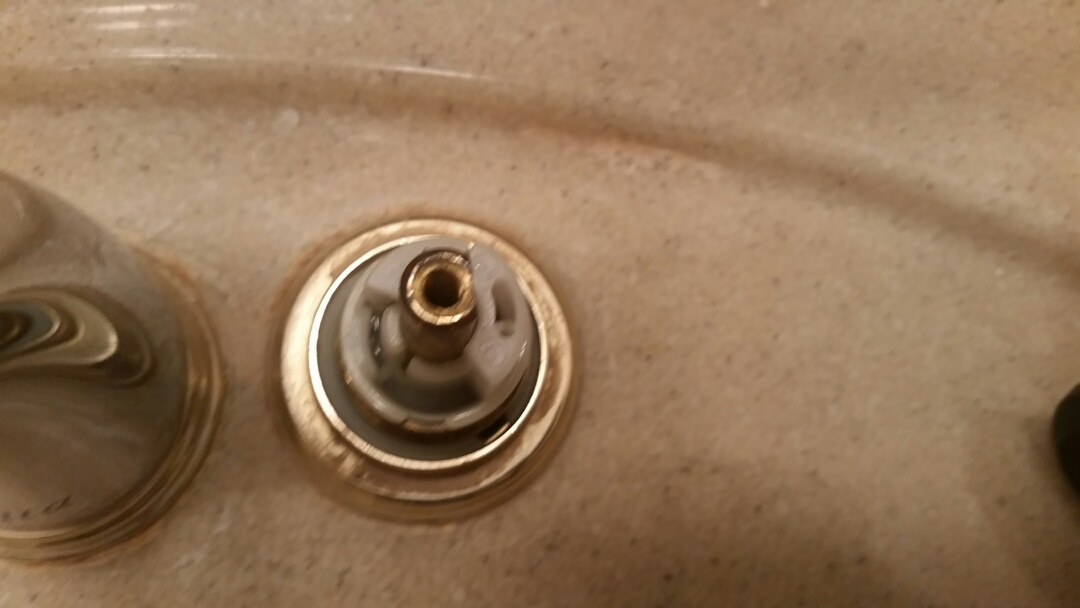 North York, ON - Delta faucet repair