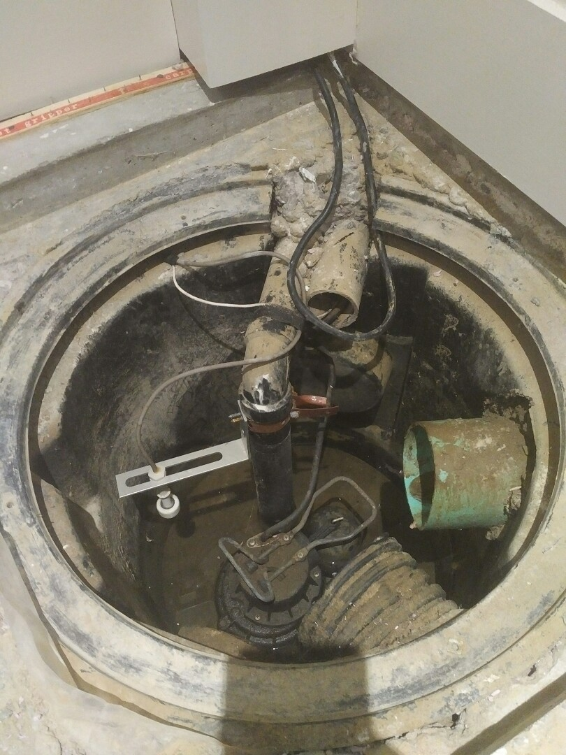 Old Toronto, ON - Quote sump pump and battery backup system