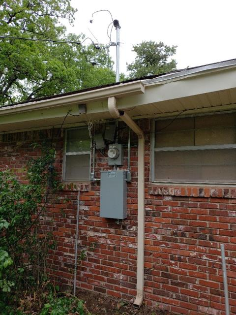 Bethany, OK - New electric panel installed by our electrician, Justin.  This panel is life time guaranteed.