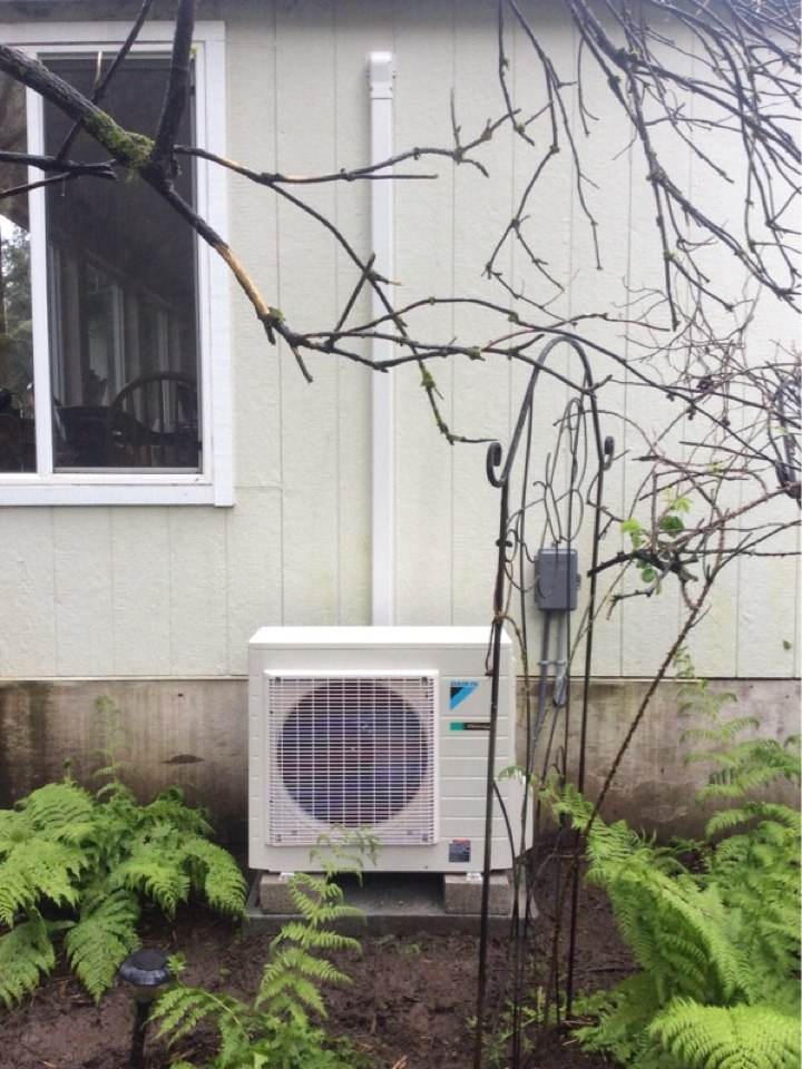 Otis, OR - Installation, commission, and orientation of a Daikin ductless Heatpump in Otis Or