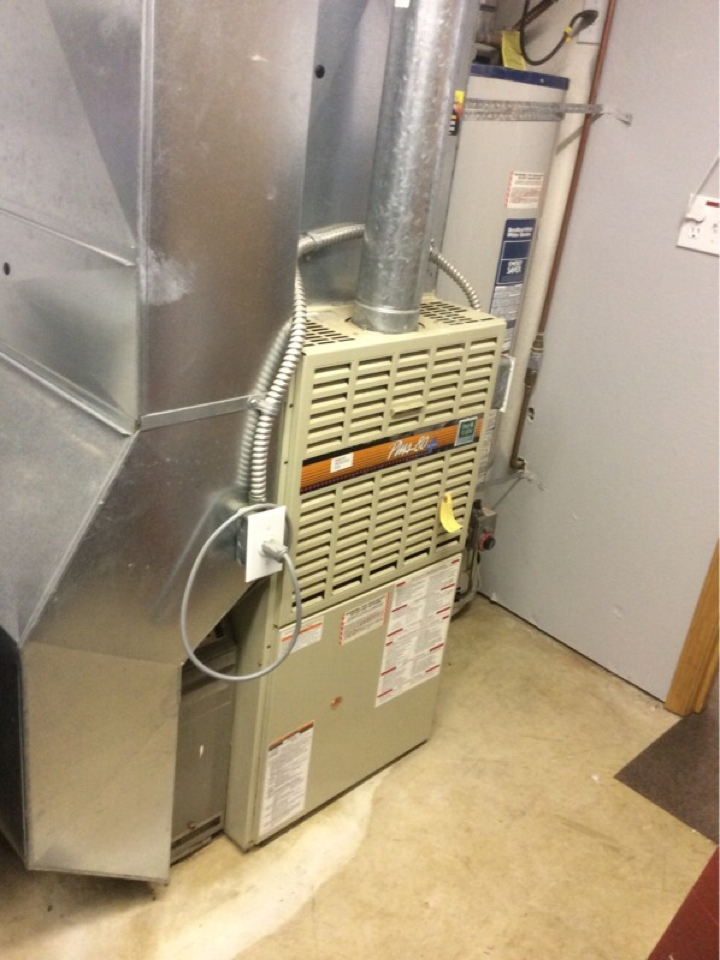 Otis, OR - Heating service visit to perform annual maintenance and furnace performance verification on a Lennox gas furnace in Otis Or