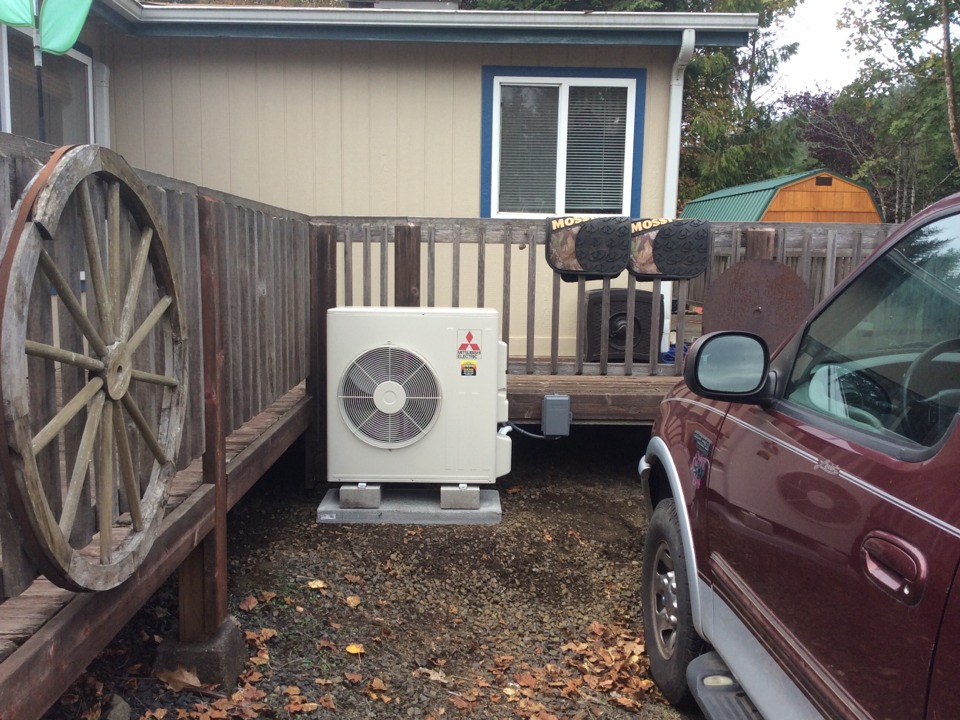 Blodgett, OR - Heating and air conditioning visit to install a Mitsubishi hyper heat ductless Heatpump in Blodgett Or