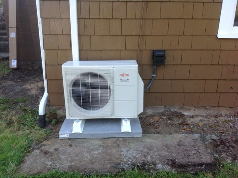 Tidewater, OR - Installation of a Daikin ductless heat pump in Tidewater Oregon