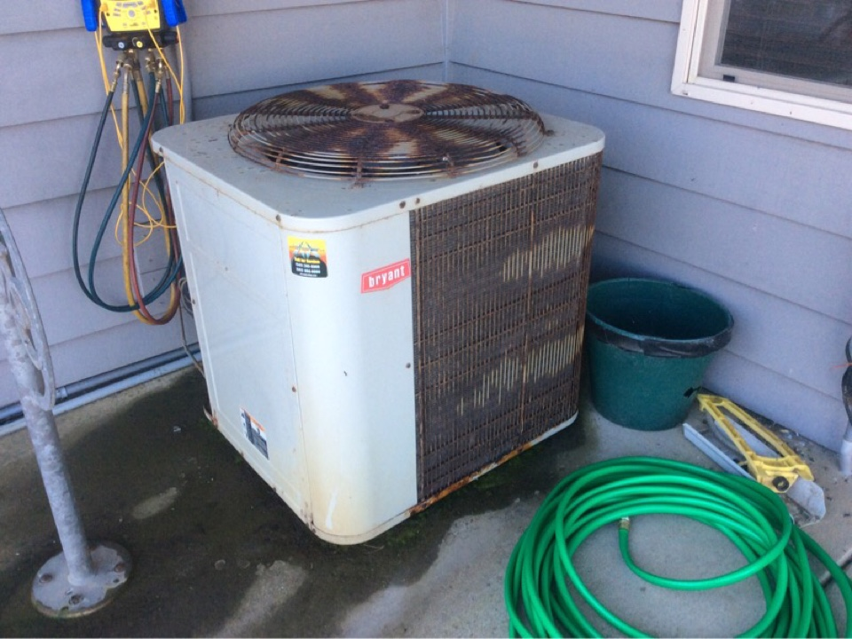 Pacific City, OR - Maintenance visit for a Bryant heat pump system in Pacific City, Oregon