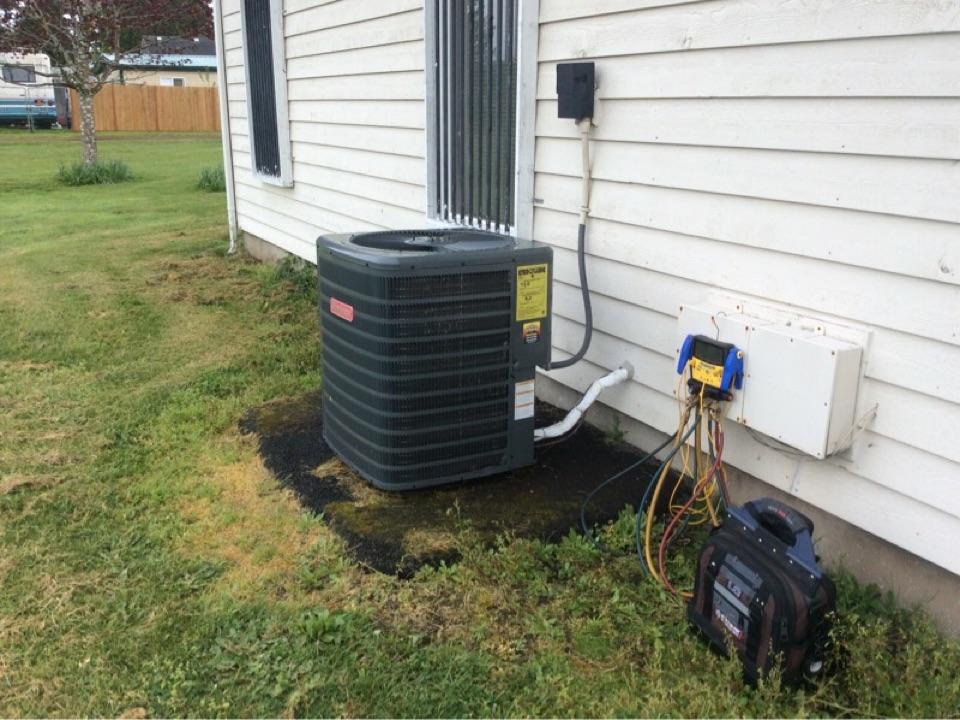 Siletz, OR - Maintenance visit for a heat pump system in Siletz, Oregon