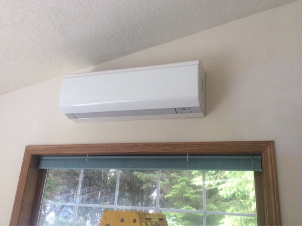 South Beach, OR - Service visit requested to perform the annual maintenance and cleaning required for a Daikin Quaternity ductless Heatpump in South Beach Or