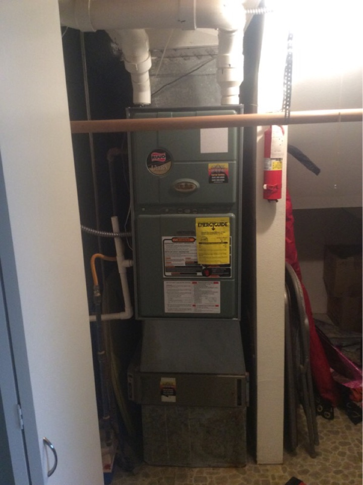 Lincoln City, OR - Service visit requested to perform the maintenance, inspection, and cleaning of a Ruud gas furnace in Lincoln City Or