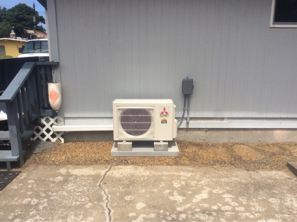 Lincoln City, OR - Service requested for Airrow Heating to perform the installation of a Mitsubishi hyper heat ductless Heatpump in Lincoln City Or