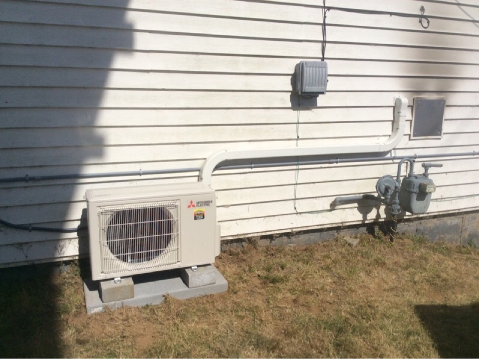 Lincoln City, OR - Service visit requested to perform the installation of a Mitsubishi hyper heat ductless Heatpump in Lincoln City Or