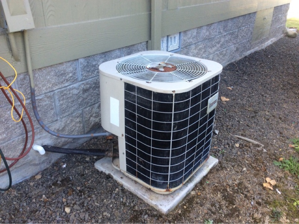Siletz, OR - HVAC service visit requested to perform the maintenance and repair on a Intertherm Heatpump in Siletz Or