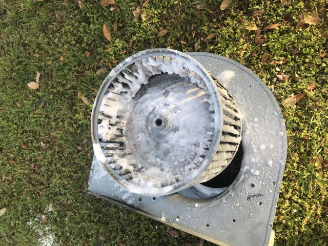 Austin, TX - Hvac service Austin TX. Air flow issues. Dirty blower wheel. Clean blower wheel. System working again.