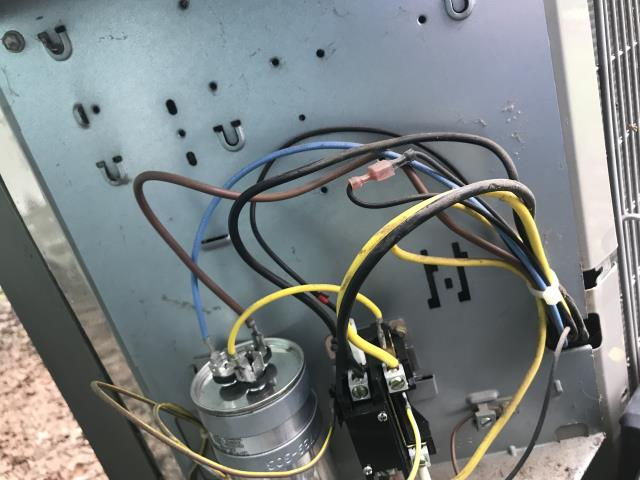 Bastrop, TX - Heating and air conditioning service Bastrop. The outdoor system is not coming on due to ants in the voltage distribution system. Replace part. System is cooling.