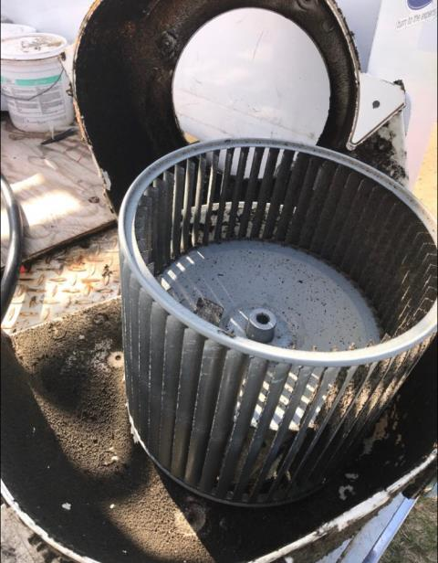 Bastrop, TX - Air conditioning service Bastrop. Blower wheel needs to be cleaned. Clean blower wheel. System is working properly.