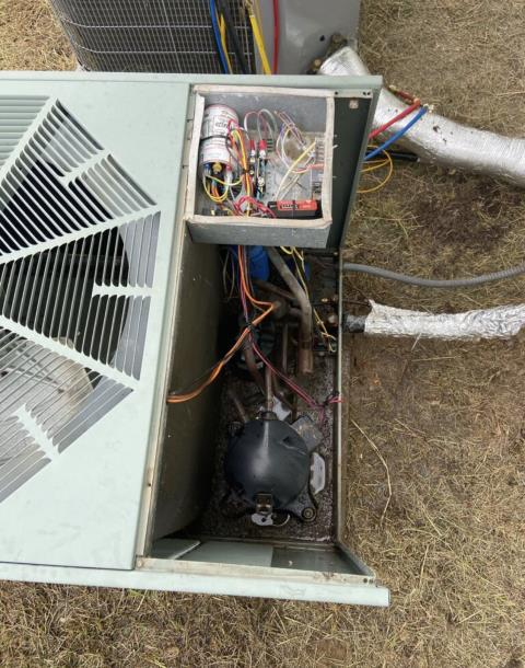 Bastrop, TX - heating and air conditioning. The ac system is not coming on. Replace the capacitor. The air conditioner is working properly at this time.