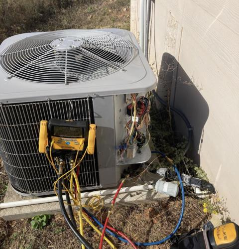 Bastrop, TX - Air conditioning. Perform heating evaluation. The system is working properly at this time.