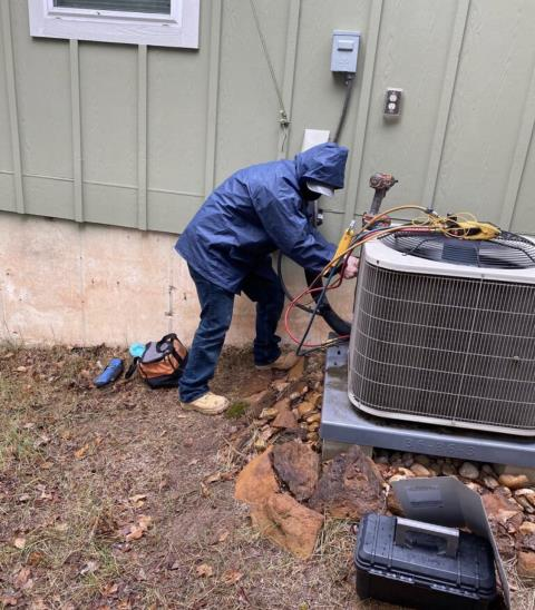 Bastrop, TX - Furnace repair. Perform heat evaluation on Carrier AC system. The air conditioner and heater are working properly at this time.