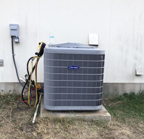 Bastrop, TX - Air conditioning and heating. Perform a heating evaluation. The air conditioner and heater are working properly at this time.