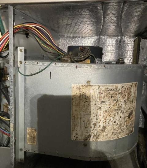 Smithville, TX - Ac repair service. Perform heating evaluation on a Goodman Heat Pump System. The Goodman Heat Pump System is heating properly at this time.