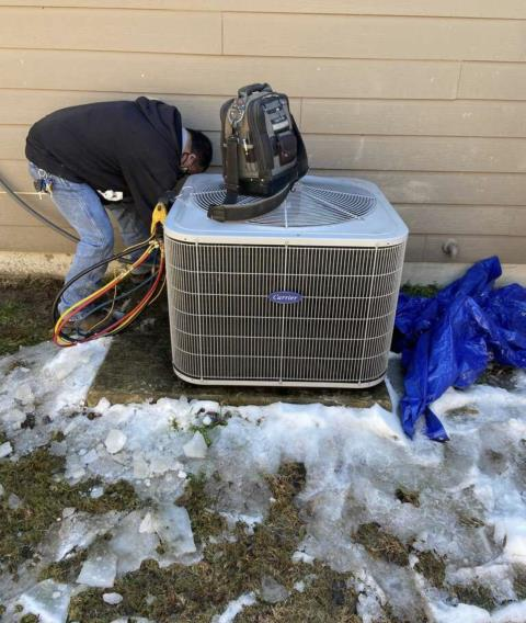 Smithville, TX - Heating repair. The Carrrier heat pump system is not heating properly. Perform heating evaluation. Make repairs. The Carrier heat pump system is heating properly at this time.