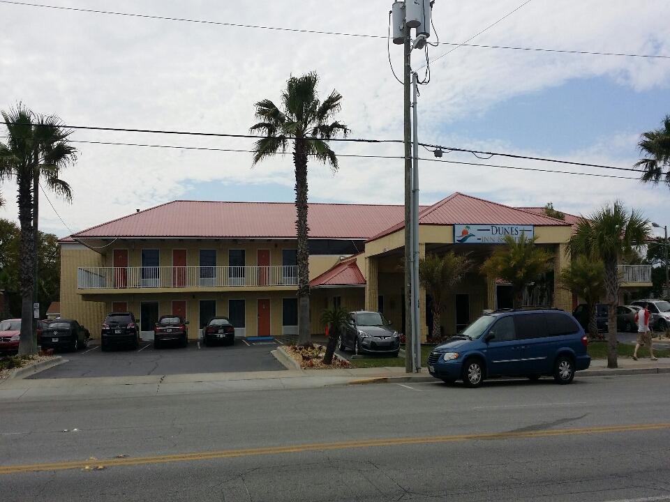 Tybee Island, GA - Dunes Inn on Tybee. Max-Rib screw down metal roof.