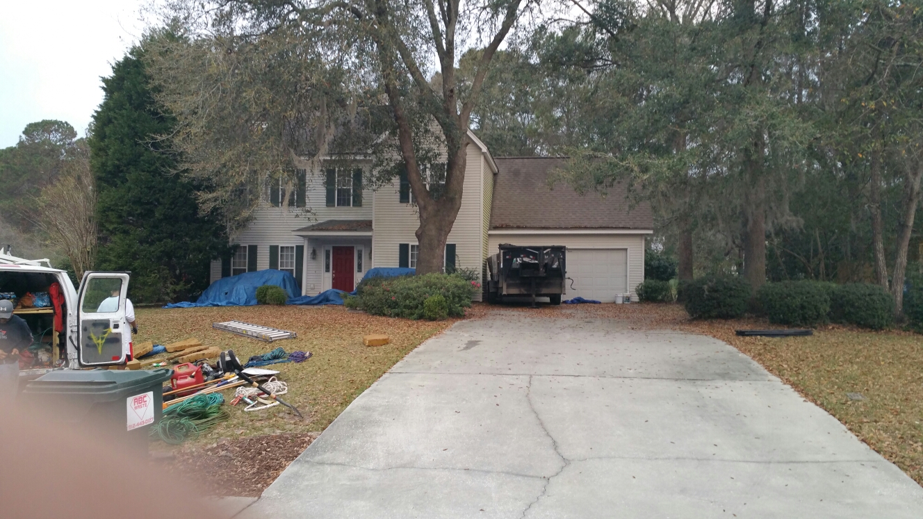 Wilmington Island, GA - Free roof inspection and estimate.  Now installing new roof in savannah.ga on Wilmington island