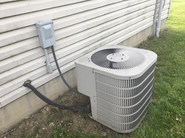Groveport, OH - Ac low on Freon